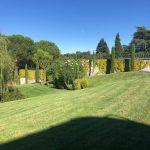 Mantenimiento de jardines Jardineria y paisajismo en Madrid . Chalet en La Moraleja de Madrid Pradera