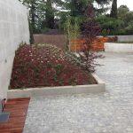Mantenimiento de jardines Jardineria y paisajismo en Madrid . Chalet en La Moraleja de Madrid parterre