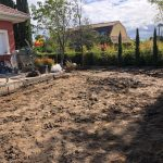 Proyecto de jardineria y paisajismo para chalet Madrid. Encinar de los Reyes Antes patio atras